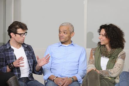 Formateur avec professionnels de l'action sociale et médico sociale